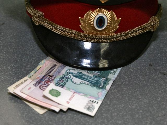 Димитровградские полицейские пытались получить синостранца 300 000 руб. взятки