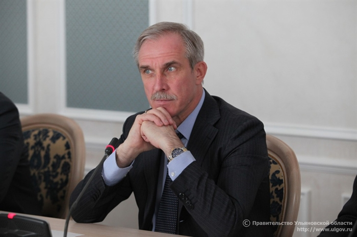 Анатолий Артамонов поднялся на5 пунктов врейтинге губернаторов