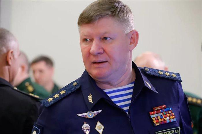 ВУльяновске командующий ВДВ Российской Федерации проверяет 31-ю отдельную десантно-штурмовую бригаду