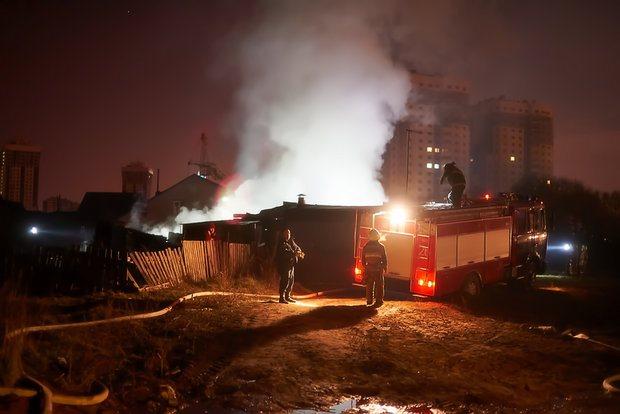 ВУльяновске вместе сбесхозным строением сгорели два человека