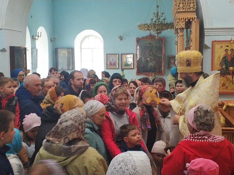 Православные верующие отмечают Медовый Спас иначинают Успенский пост