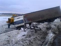 В Мелекесском районе столкнулись две фуры и ГАЗ