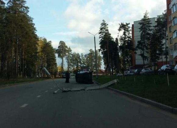 «Сузуки Гранд» перевернулся вДимитровграде: 5-летняя девочка доставлена вбольницу