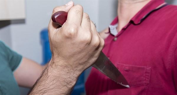 ВУльяновской области осужден мужчина, ранивший своего знакомого ножом вподъезде дома