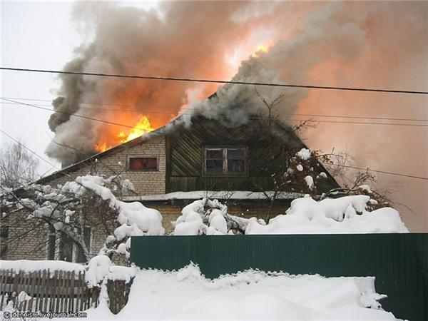ВСтаромайнском районе 19 пожарных тушили дом