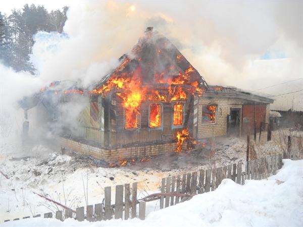 Трое детей погибли впожаре вУльяновской области