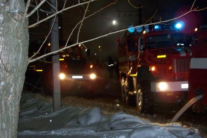 Пожар вБарыше: деревянный дом остался без веранды икровли
