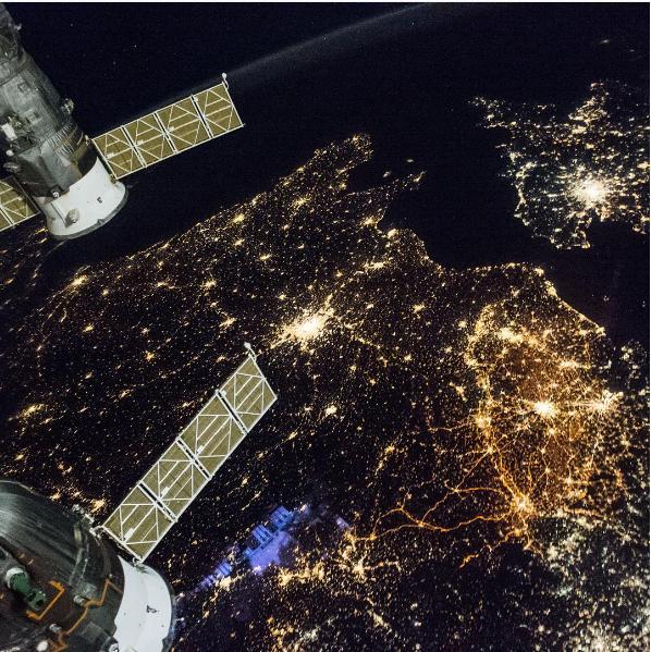 Астронавты NASA показали очень интересный вид ночной Европы сМКС