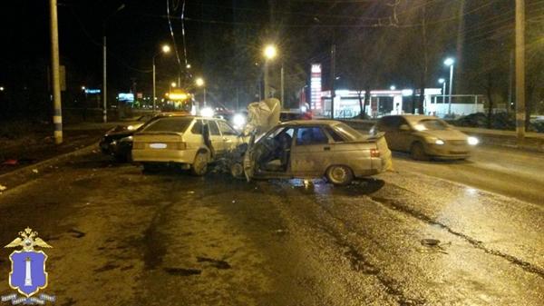 Крупное ДТП вУльяновске. отправлены вмедучереждение 4 человека