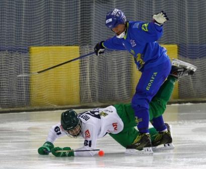 «Волга» разгромила «Водник» впервом матче чемпионата Российской Федерации похоккею смячом