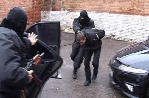 Ульяновские полицейские задержали преступников, которые вымогали устудентов деньги
