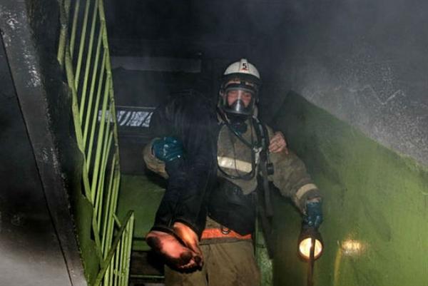 ВЗасвияжье изпожара вмногоквартирном доме спасли мужчину